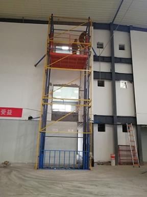 三层楼导轨升降货梯